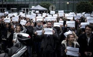 Au rassemblement de soutien aux grévistes d'iTélé, devant le siège de la chaîne à Boulogne, le 19 octobre 2016.