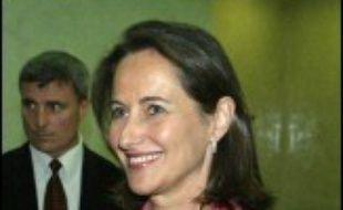 La candidate socialiste à la présidentielle française Ségolène Royal a appelé dimanche à Gaza à une reprise de l'aide internationale aux Palestiniens.