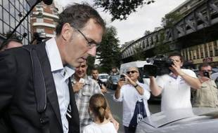 """Laurent Blanc, surnommé """"le président"""" durant sa carrière internationale, a annoncé samedi qu'il ne demanderait pas à prolonger son contrat de sélectionneur, faute d'accord avec l'autre président, celui de la Fédération française de football (FFF) Noël Le Graët."""