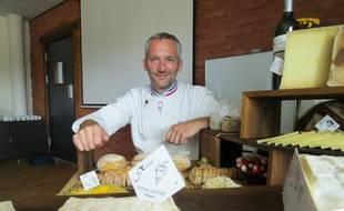 Toulouse, le 16 septembre 2014 - FranÁois Bourgon, le patron de la fromagerie chez Xavier, lance l'idÈe d'un lieu dÈdiÈ au pain, au vin et au fromagebaptisÈ l'Origine
