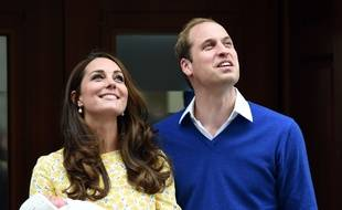 Kate, Charlotte et William, le 2 mai 2015, à Londres.