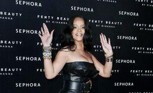 La chanteuse et femme d'affaires Rihanna