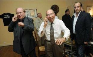 Jean-Pierre Bechter et Serge Dassault après des premiers résultats à leur quartier général de campagne, hier soir.