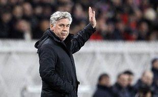 CarloAncelotti, l'entraîneur du PSG, le 15 janvier 2012, au Parc des princes, lors d'un match contre Toulouse.