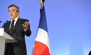 François Fillon lors d'un meeting au Grand Palais à Lille le 18 avril 2017.