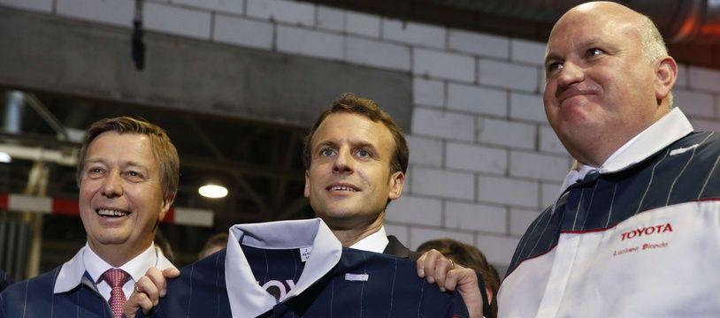 Emmanuel Macron lors de la visite à l'usine Toyota d'Onnaing (Nord), le 22 janvier 2018.