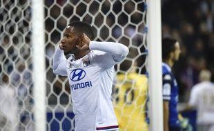 Juste après un but anecdotique en fin de rencontre, le 9 janvier 2016 contre Troyes (4-1), Claudio Beauvue s'était fendu d'une provocation à l'encontre des supporters lyonnais.