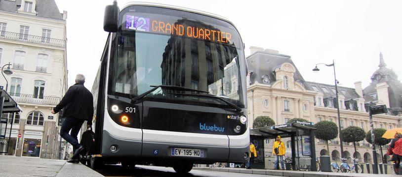 Un bus électrique circulant à Rennes, le 2 mai 2018.