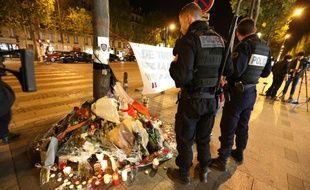 Des policiers rendent hommage à leur collègue Xavier Jugelé, tué lors de l'attentat des Champs-Elysées