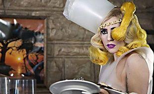 Extrait de la vidéo Telephone de Lady Gaga feat. Beyoncé.