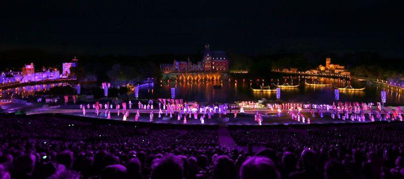 Le spectacle nocturne de La Cinéscenie, au Puy du Fou.