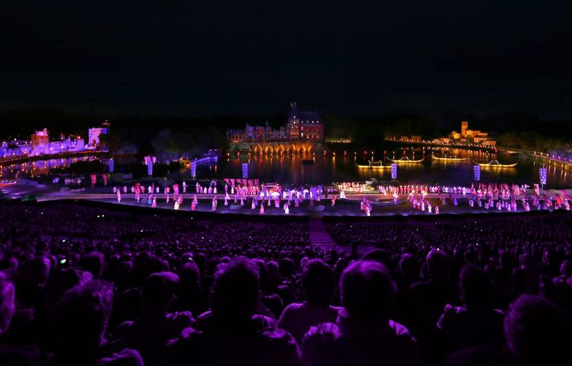 Incendie à Notre-Dame de Paris: Le Puy du Fou programme une soirée spéciale au profit de la reconstruction