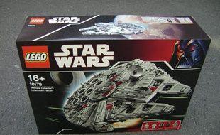 Star Wars Millenium À 5 Boîte Du Estimé Faucon 000 LegoUne Euros ZXPiOku