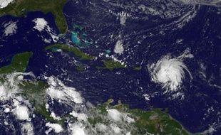 Photo satellite du cyclône Gonzalo au dessus des îles Leeward dans l'Atlantique