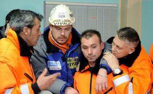 """Deux """"poids lourds"""" de sidérugie mondiale, le belge CMI et le russe Severstal, étaient associés pour reprendre le site ArcelorMittal de Florange, affirme le quotidien régional Le Républicain Lorrain dans son édition de mercredi."""