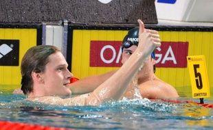 Les nageurs français, surfant sur l'euphorie des jeux Olympiques de Londres, ont éclaboussé de leur talent la 1re journée de l'Euro-2012 en petit bassin, en ramenant trois médailles d'or, jeudi à Chartres.