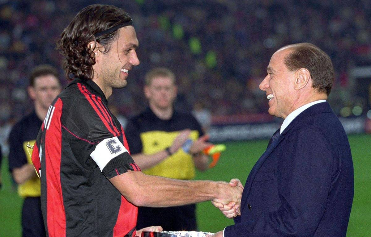 Paolo Maldini et Silvio Berlusconi, du temps de la splendeur du Milan AC.  – OLYMPIA/SIPA