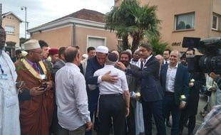 Les imams de la marche des musulmans contre le terrorisme ont terminé leur tournée au lycée juif Ohr Torah, à Toulouse, où Mohamed Merah a assassiné 3 enfants et un adulte.