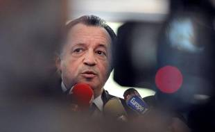 Le président PS du conseil général des Bouches-du-Rhône Jean-Noël Guérini a répondu à des attaques récentes du député UMP marseillais Renaud Muselier, en mettant en cause des investissements immobiliers de celui-ci à l'île Maurice, jeudi lors d'une conférence de presse.