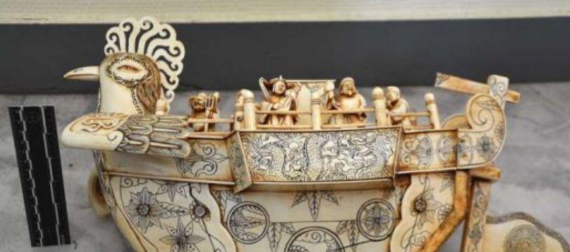 Une centaine d'objets d'art asiatique ont été retrouvés lors de perquisitions.