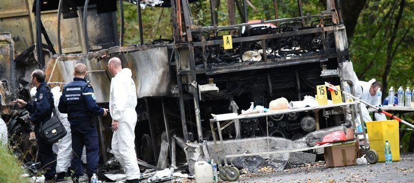 Les enquêteurs ont récupéré, à bord du camion et de l'autocar accidentés de Puisseguin, les chronotachygraphes.