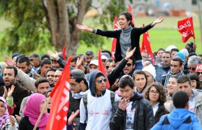 Guerre civile syrienne. parmi les pays du printemps arabe, seule la