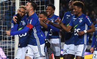 Championnat de France de football LIGUE 1 2018-2019 - Page 12 310x190_joueurs-strasbourgeois-exulte-public-grace-seul-but-match-marque-kenny-lala-terme-arrets-jeu-contre-bordeaux