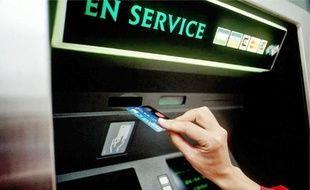 En 2009, 80% des foyers fragilisés détiennent une carte bancaire, contre 39% en 2001.