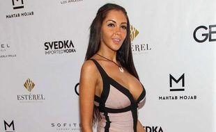 Nabilla Benattia à Los Angeles le 29 août 2013 pour la fête de lancement du magazine Genlux.