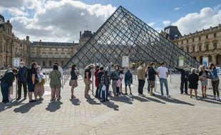 Le masque devient obligatoire à Paris et en petite couronne ce vendredi dès 8h.