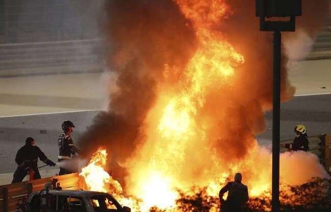 La voiture de Romain Grosjean en feu.