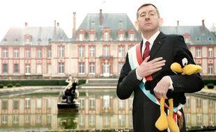 Christophe Salengro incarnait le président de la «Présipauté» du Groland.
