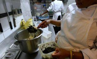 Du 12 juillet au 31 décembre 2015,  des contrôles d'hygiène dans 1 500 restaurants à Paris et 200 à Avignon ont été réalisés. Et le résultat n'est guère reluisant... (Photo illustration).