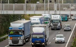 Les routiers entameront dimanche soir une grève reconductible pour tenter de peser sur les négociations salariales avec le patronat
