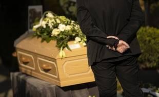 Un enterrement. (Illustration)