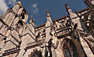 Photo d'illustration de la cathédrale de Bourges, où aura lieu la cérémonie.