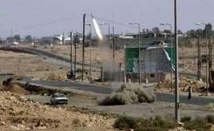 Le calme semblait revenu mardi dans l'ancien bastion kadhafiste de Bani Walid mais la confusion régnait toujours sur l'origine des violences qui ont fait cinq morts la veille et ont été attribuées par des responsables locaux à des partisans de l'ancien régime libyen