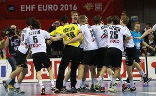 La joie des Allemands, sacrés champions d'Europe de handball le 31 janvier 2016 en Pologne.