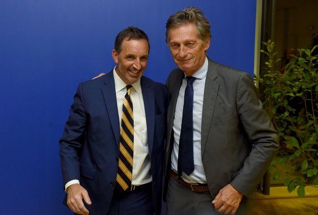 Joe DaGrosa et Nicolas de Tavernost vont devoir patienter avant de conclure définitivement la vente du club.
