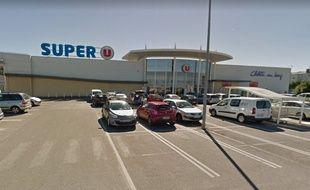 Le drame a eu lieu au Super U de Châlette-sur-Loing (Loiret), mercredi 22 août.