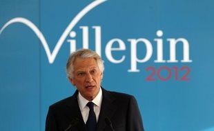 Dominique de Villepin, ancien Premier ministre, candidat de République Solidaire à la présidentielle, lors d'une conférence de presse à propos de son équipe de campagne, le 16 janvier 2012 à Paris.