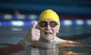 Continuer le sport malgré l'âge n'est pas impossible si l'on fait plus attention aux besoins du corps qui ont évolué.