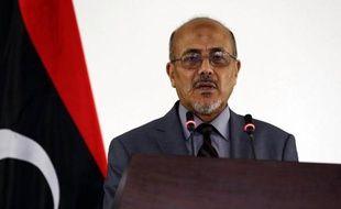 Le porte-parole par intérim du Premier ministre libyen, Ahmad Lamen, à Tripoli le 25 juillet 2014
