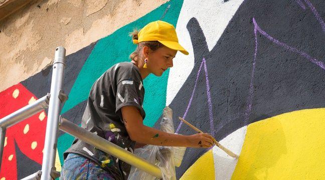 Nice: L'artiste-muraliste Perrine Honoré met «de la vie sur les murs» de Barcelone