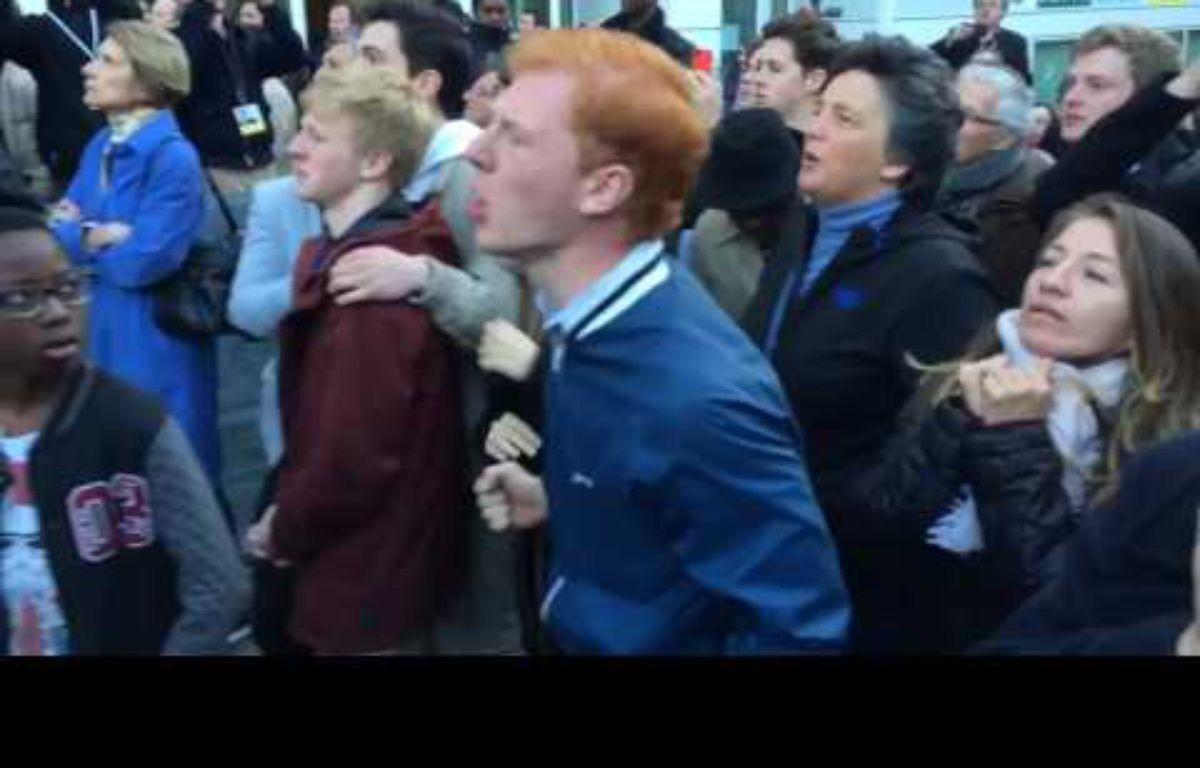Les partisans de François Fillon très remontés contre les médias à l'annonce des résultats du premier tour, le 23 avril 2017. – Capture d'écran/Twitter/@jrbaudot