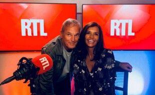 Laurent Baffie et Karine Le Marchand animent On ne répond plus de rien sur RTL.