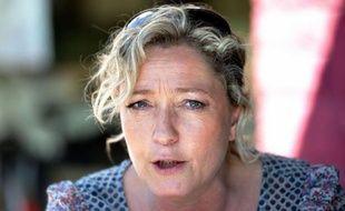 """La présidente du Front national, Marine Le Pen, a jugé """"un peu facile"""" la critique de la directrice du FMI, Christine Lagarde, à l'encontre des Grecs, estimant que les """"responsables"""" de la crise étaient """"les dirigeants politiques"""" et non pas """"les peuples""""."""