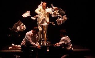 Le huitième spectacle d'Hors Pistes met en scène cinq comédiens circassiens.