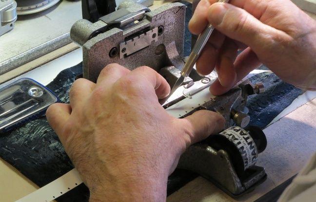 Les techniciens réparent les pellicules. - C.Guthleben/20 Minutes