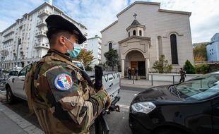 7.000 soldats Sentinelle vont être déployés en Franc, soit 60% de plus qu'aujourd'hui.